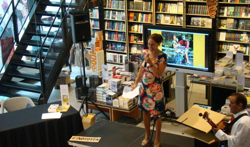 Ik vind de boekpresentatie doodeng – Interview Grenskoerier